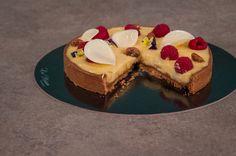 ΤΑΡΤΑ ΠΡΑΛΙΝΑ ΜΕ ΛΕΜΟΝΙ - ΣΕΦ ΣΤΟΝ ΑΕΡΑ Sweet Recipes, Cheesecake, Brunch, Sweets, Desserts, Food, Pastries, Pies, Tailgate Desserts