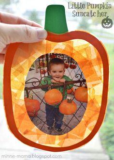 Pumpkin Suncatcher - Autumn Activities for children. Preschool Autumn Crafts.