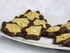 Linecké hviezdičky • Recept | svetvomne.sk Cookies, Desserts, Christmas, Food, Basket, Crack Crackers, Tailgate Desserts, Xmas, Deserts