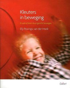 Handboek voor leerkrachten in het basisonderwijs en werkers in de kinderopvang met spelsuggesties rond dertig thema's om kleuters te laten leren door beweging.