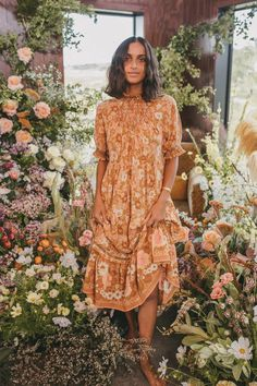 Wondering what to wear to a spring wedding? We've got all the 2021 trends and 50 spring wedding guest dresses to get you started. Wedding Guest Style, Loft Wedding, Butterfly Dress, Lace Sheath Dress, Floral Midi Dress, Bohemian Style, Bohemian Fashion, Style Fashion, Spring Wedding