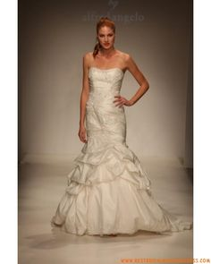 How To Look Your Best On Your Wedding Day. On your big day, all eyes will be on you so you definitely want to look your best. Designer Wedding Gowns, Designer Dresses, Alfred Angelo Bridal, Ariel Dress, Dress Picture, Best Wedding Dresses, Wedding Day, Wedding 2015, Wedding Wishes