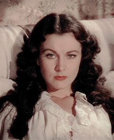 Welcome to Vivien-Leigh, an ever growing archive dedicated to appreciating and preserving Vivien. Old Movies, Great Movies, Hollywood Glamour, Classic Hollywood, Divas, Tomorrow Is Another Day, Scarlett O'hara, Old Hollywood Movies, Vivien Leigh