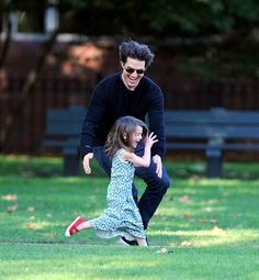 Suri Cruise: Her Life With Dad Tom: Giving Dad the Runaround