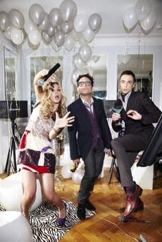 Jim Parsons Photo: Jim Parsons, Johnny Galecki and Kaley Cuoco - TV Guide Magazine Cover Shoot The Big Theory, Big Bang Theory Funny, Cover Shoot, Johnny Galecki, Jim Parsons, Nerd Love, Kaley Cuoco, Tv Guide, Bigbang