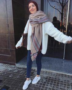 ●PINTEREST: Aya MB■ Modest Winter Outfits, Uni Outfits, Winter Fashion Outfits, Casual Hijab Outfit, Hijab Chic, Ootd Hijab, Street Hijab Fashion, Muslim Fashion, Egypt Fashion