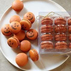 Peonies and Orange Blossoms: Pumpkin Spice Macaron Recipe