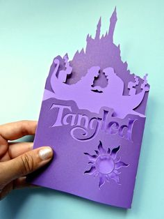 Cute Tangled folding card (hand made) That is so cool, I can not even cut a strait line rapunzel Tangled Wedding, Tangled Party, Tangled Rapunzel, Disney Tangled, Disney Diy, Diy Arts And Crafts, Paper Crafts, Rapunzel Birthday Party, Tinkerbell Party