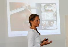 Prof. Dr. Eva-Maria Skottke diskutierte mit ihren Besucher/innen das Thema Medientrends bei Teenagern.