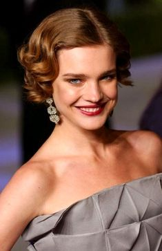 NataliaVodianova short wavy hair
