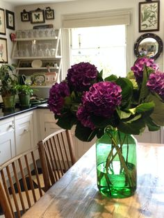 BUTTER WAKEFIELD found these gorgeous purple hydrangeas from the flower market. Arranged simply her priced green pickle jar from Scarlet and Violet. Small Kitchens, Dream Kitchens, Beautiful Kitchens, Kitchen Inspiration, Interior Design Inspiration, Beautiful Gardens, Beautiful Homes, Dream Garden, Home And Garden