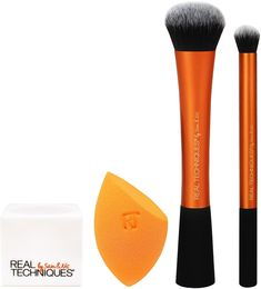 vanities - The Real Techniques limited edition Ultimate Base Set is a collection of three base essentials. This set is the must-have expansion to the Real Techniques core collection. Best Eye Makeup Brushes, Makeup Brush Uses, Best Makeup Products, Beauty Products, Diy Beauty Makeup, Make Makeup, Makeup Tools, Crazy Makeup, Makeup Geek