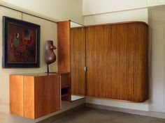la penderie et le meuble à linge suspendus ont été créés par Robert Mallet-Stevens