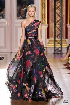 i REALLY DISLIKE ANYTHING ONE SHOULDER! but this zuhair murad issss BEAUTIFUL.