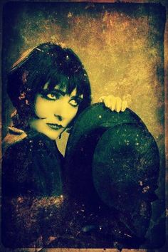 @dmvc~Siouxsie and the Banshees. Beautiful color treatment and shot!