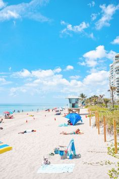 Fort Lauderdale has everything you need for a great beach vacation! Find information on hotels, restaurants, things to do and order a free visitors guide. Palm Beach Florida, Florida Hotels, Florida Travel, Florida Beaches, Florida Holiday, Fort Lauderdale Beach, Beach Trip, Beach Travel, Island Life