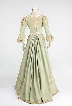 Promenade dress Date: ca. 1903 Culture: American Medium: wool, silk