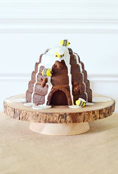 Beehive Cake  - perfect at a honey-bee themed kids party!