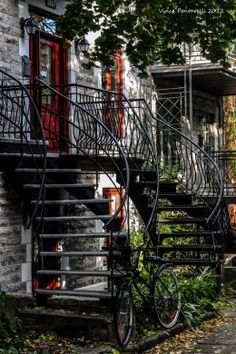 typical exterior staircase in Plateau Montreal Qc, Montreal Ville, Montreal Architecture, Great Places, Beautiful Places, Social Art, Belle Villa, Quebec City, Post Card
