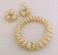 Bracciale dorato elica e orecchino perline modello di SweetBeadsLV