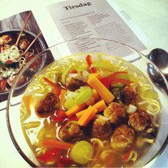 Mad fra Alt For Damerne Thai-style suppe med kyllingekødboller 41❤️