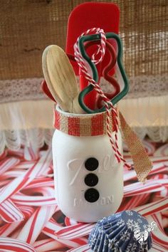 21 Homemade Holiday Mason Jar Gifts Whether you've got a birthday coming up or the holidays, these Homemade Holiday Mason Jar Gifts are so simple You can personalize it however you want. Mason Jar Christmas Gifts, Mason Jar Gifts, Homemade Christmas Gifts, Christmas Fun, Christmas Decorations, Christmas Neighbor, Christmas Shopping, Homemade Gifts, Diy Gifts