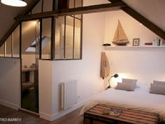 La Maison Matelot, 3 charming *** apartments by the sea in .-La Maison Matelot, 3 charmante *** Ferienwohnungen am Meer in der Normandie. Loc… La Maison Matelot, 3 charming *** apartments by the sea in Normandy. Home, Small Spaces, Home Bedroom, Bedroom Interior, New Homes, Apartment Design, Loft Room, Appartment Decor, House Interior