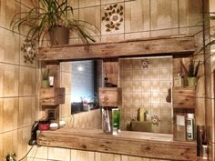 Paletten Spiegelschrank mit Beleuchtung von Dom`s Wood auf DaWanda.com
