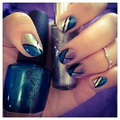 Nail art, future royal look  Using:  -OPI. Yodel me on my cell -OPI. Stainless steel -KISS. Silver glitter -KISS. Black