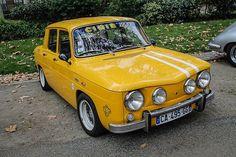 R8 Gordini Retro Cars, Vintage Cars, Vintage Sport, Classic Motors, Classic Cars, Renault Sport, Fiat Uno, Yellow Car, Hatchbacks