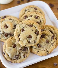 This is the best bakery-style chocolate chip cookie recipe EVER! The cookies are perfectly thick, with a crisp outer edge and a soft chewy center. Best Chocolate, Homemade Chocolate, Nutella Chocolate, White Chocolate, Cookie Recipes, Dessert Recipes, Keto Desserts, Plated Desserts, Chewy Chocolate Chip Cookies