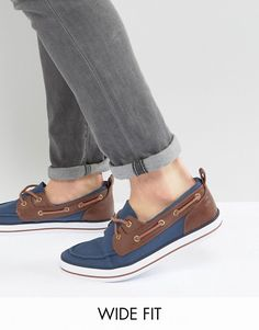 Buy ASOS Wide Fit Boat Shoes In Navy at ASOS. With free delivery and return options (Ts&Cs apply), online shopping has never been so easy. Get the latest trends with ASOS now. Deck Shoes Men, Boat Shoes, Men's Shoes, Armani Jeans, Sperrys, Fashion Online, Latest Trends, Asos, Loafers