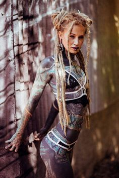 Annustchkatz - An Tattoos and Dreads Model Hot Tattoos, Body Art Tattoos, Girl Tattoos, Tattoos For Women, Tatoos, Tattoed Girls, Inked Girls, Tattoed Women, Piercing Tattoo