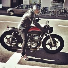 Honda CB 750 Cafe Racer #motos #caferacer #motorcycles | caferacerpasion.com