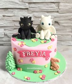 How to Train Your Dragon cake, still for Freyja's - ninaslittlebakery The Effective Pictures We Offer You About happy birthday cake A quality picture can tell you many things. You can find the Dragon Birthday Cakes, Dragon Birthday Parties, 5th Birthday Cake, Pretty Birthday Cakes, Dragon Cakes, Happy Birthday Cakes, Birthday Celebration, Dragon Party, Toothless Cake