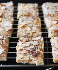 Jan Hagel Cookies - Dutch Shortbread   http://mamasgottabake.wordpress.com/2013/03/09/jan-hagel-cookies-dutch-shortbread/