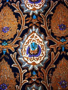 bokor batik Solo - Indonesia Ethnic Patterns, Textures Patterns, Print Patterns, Textiles, Textile Prints, Batik Solo, Batik Art, Batik Pattern, Traditional Fabric