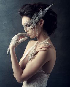 Pretty masquerade Lace, pearl & rhinestone mask, gloves and gown. This would be amazing in a wedding in place of the bride's veil. Masquerade Wedding, Masquerade Ball, Masquerade Theme, Masquerade Costumes, Jeaniene Frost, Bride Veil, Venetian Masks, Venetian Masquerade, Beautiful Mask