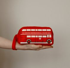 Red Felt London Bus Pouch von krukrustudio auf Etsy, $38,00