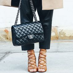 Isabel this is Chanel #IsabelMarant #Chanel #Padgram. bag, сумки модные брендовые, bag lovers,bloghandbags.blogspot.com