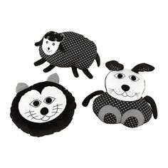 These soft, appealing and delightful animal cushions make an ideal addition to any black and white themed room. With strong contrasting colours and textures, the smiling faces, tactile wings, ears and noses will delight children from as early as birth.