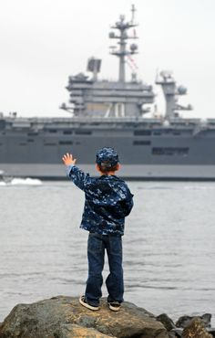US Navy kid saying bye to hubby's ship! MY HEART'S ABOARD THE USS CARL VINSON!❤️