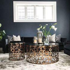 @villafloris Deco Blue, Living Room Inspiration, Bedroom, Elegant, Interior, Table, Furniture, Home Decor, Nye