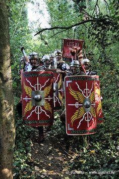 Римский Фронт. SPQR. Senatus Populus Que Romanus