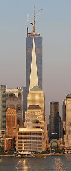 one world trade center. World Trade Center Attack, East Coast Usa, New York Pictures, Nyc, I Love Ny, Amazing Buildings, Future City, First World, Arquitetura