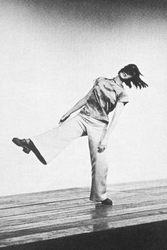 1973 b black and white choreographer choreography dance portland center yvonne rainer Contemporary Dance, Modern Dance, Dance Stage, Dance Art, Tap Dance, Yvonne Rainer, Human Poses Reference, Interactive Exhibition, Evil Clowns