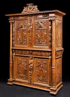 cabinet sculpté bourgogne XVI ième