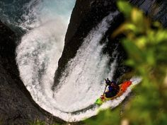 Dropping-into-Garganta-Del-Diablo-Throat-of-the-Devil-Seth-Dow.jpg 4,193×3,162 pixels