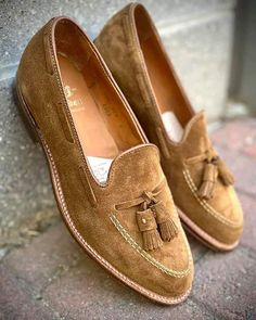 Leather Jacket Outfits, Leather Dress Shoes, Leather Heels, Suede Leather, Leather Men, Brown Leather, Brown Suede, Dress Loafers, Tassel Loafers