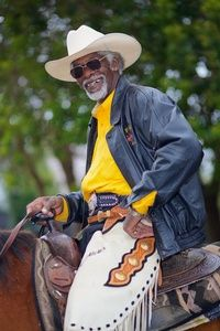 President of the Oakland Black Cowboy Association, Wilbert McAlister Black Cowgirl, Cowboy Girl, Black Cowboys, Rodeo Cowboys, Real Cowboys, Black Men, Black And Brown, Cowboys And Indians, Black Indians